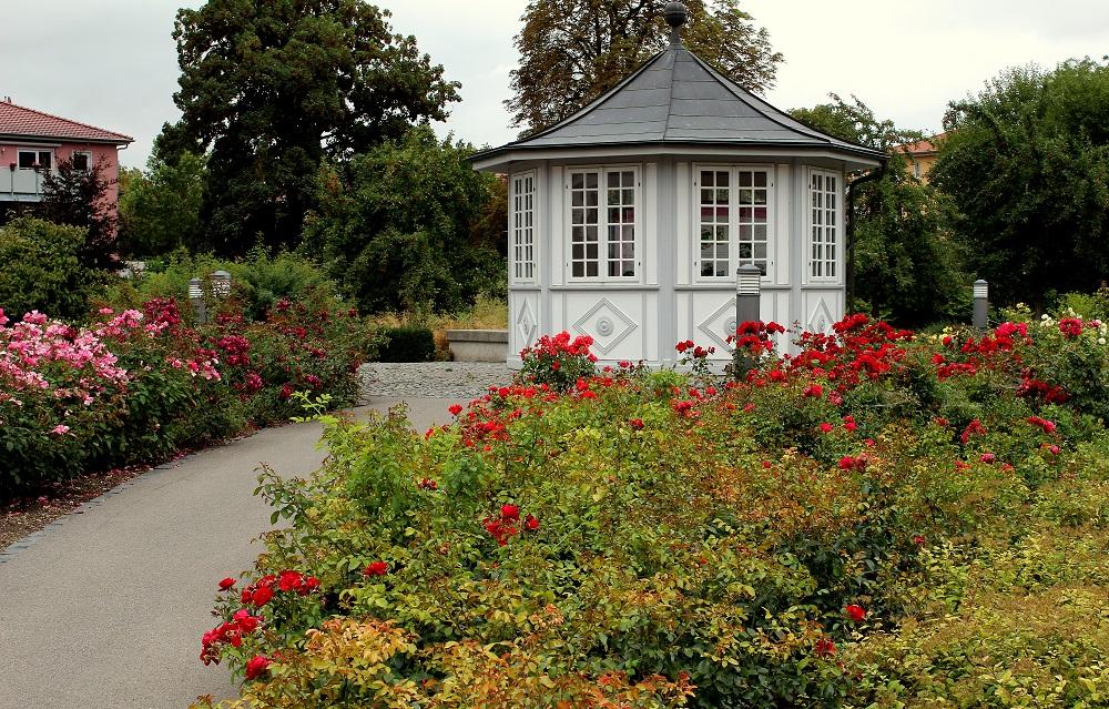 rosengarten_gartenhaus_b